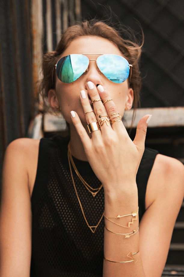 GOLD MINIMALISM – COOL WAYS TO ACCESSORIZE