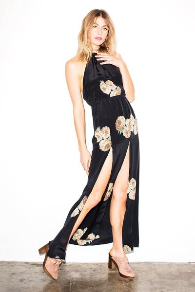 LET IT FLOW… THE SUPER TREND OF MAXI FLORAL DRESSES