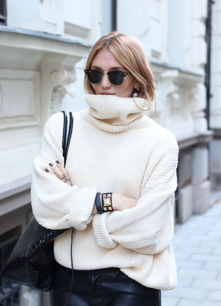 GO CHUNKY AND COMFY IN SWEATERS!