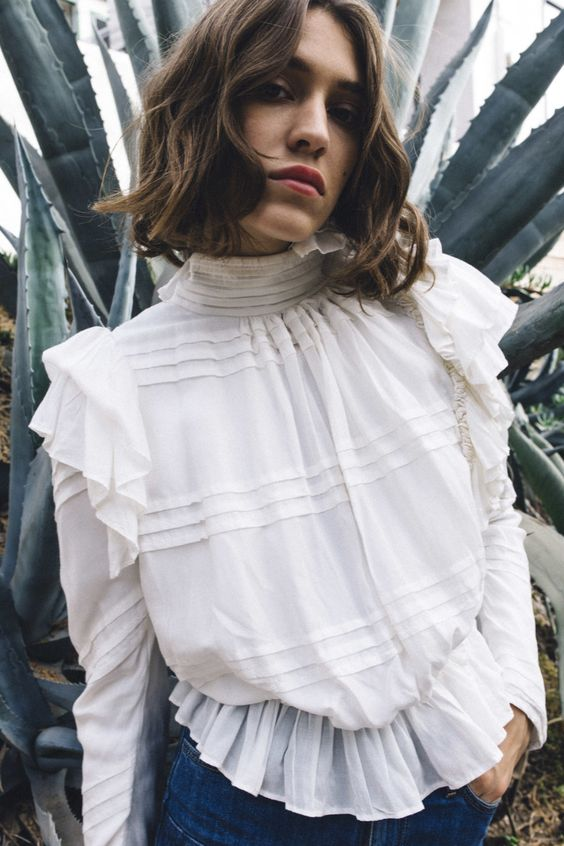 TRENDING NOW: THE MOST BEAUTIFUL VICTORIAN TOPS